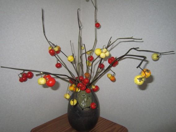 治療院の癒しに一役「花トマトの木」